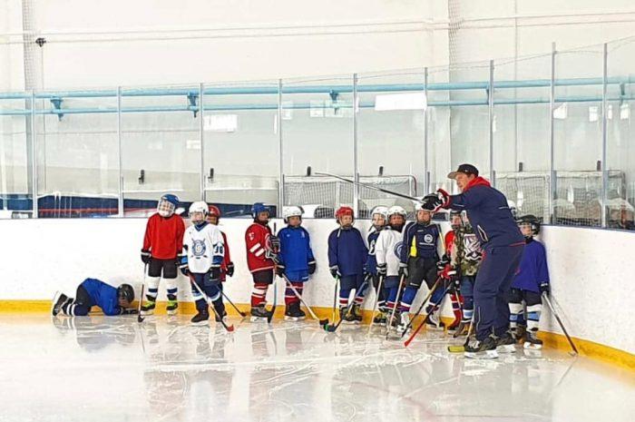 Возобновились тренировки в отделении хоккея.